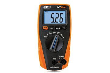 Compact digital multimeter with temperature measurement